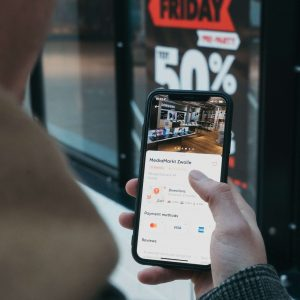 Upgrade Your Campaigns with These 12 Mobile Advertising Tips